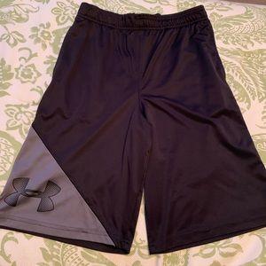Under Armour athletic shorts boys youth large